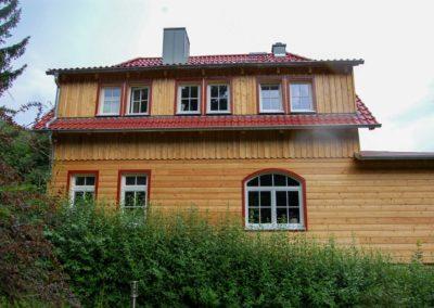 Andreas-Hecht---Ansicht-mit-Segmentbogenfenster-nach-der-Sanierung